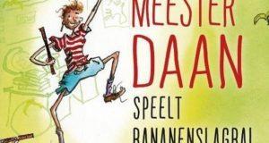 Maffe Meester Daan speelt bananenslagbal