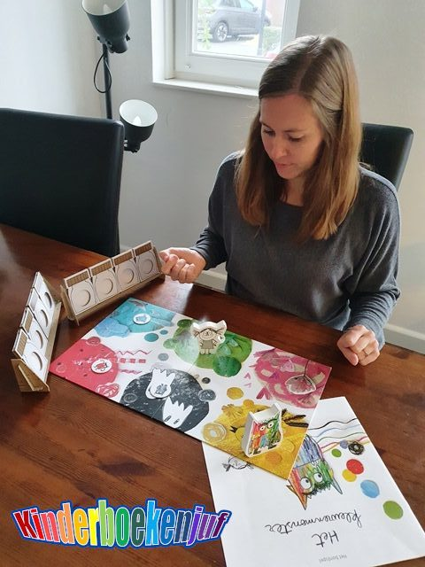 Het kleurenmonster bordspel uitproberen